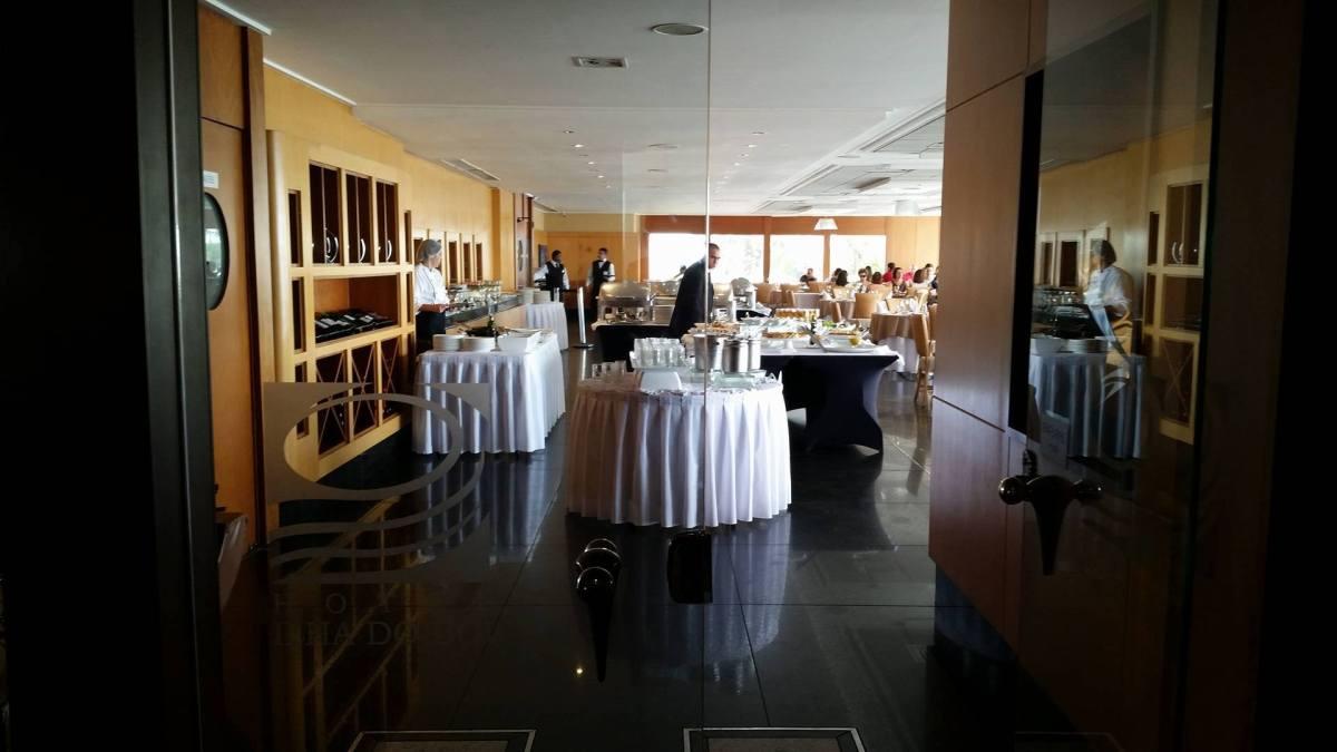 Buffet Tropical no Hotel Ilha do Boi: Onde Comer Bem em Vitória