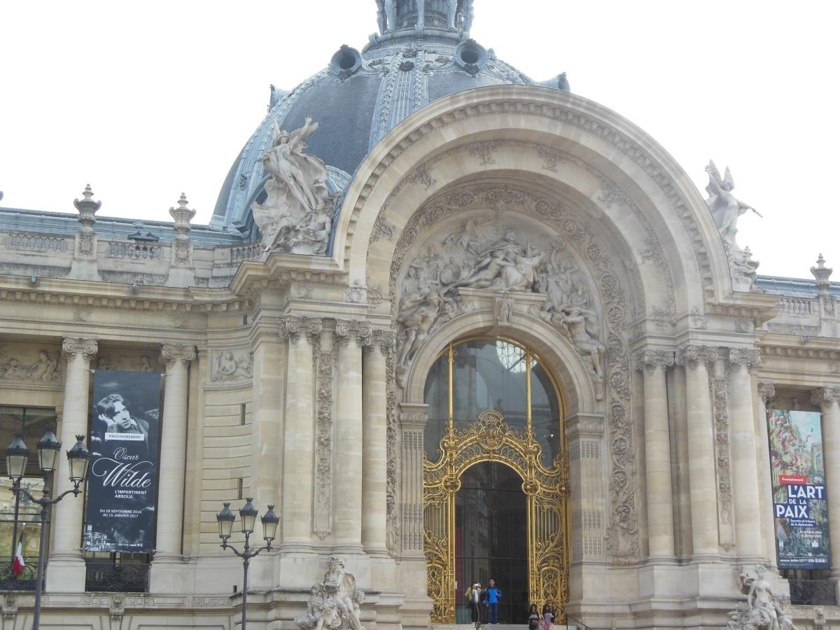 Petit Palais: O Pequeno Grande Palácio de Paris